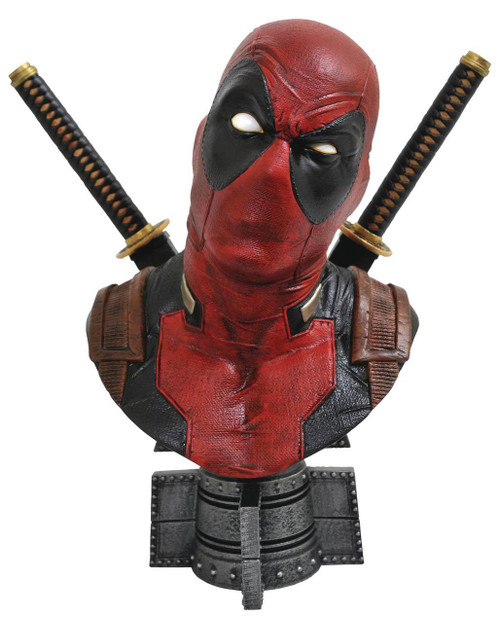 Legendary Comics Marvel Deadpool 1:2 Scale Bust