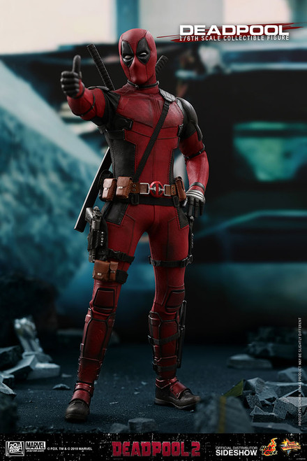 hot toys deadpool 2 one sixth scale figure
