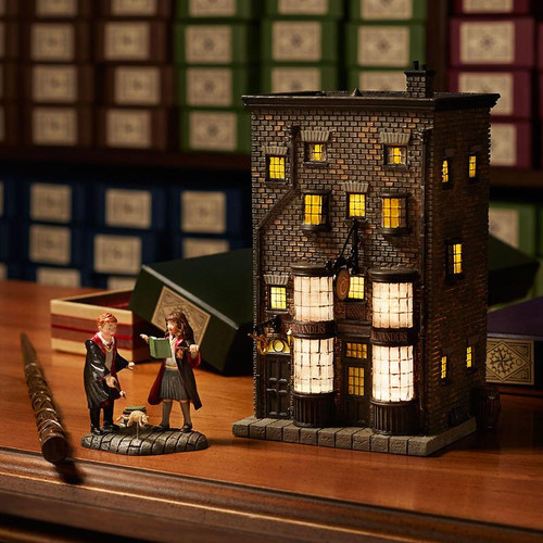 Harry Potter Village: Ollivanders Light Up Wand Shop