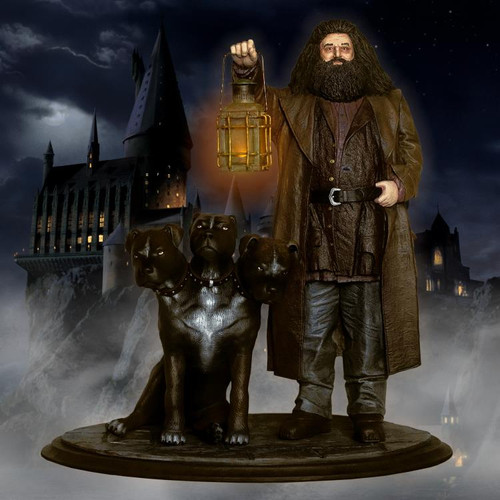 Harry Potter: Hagrid and Fluffy Premium Motion Statue