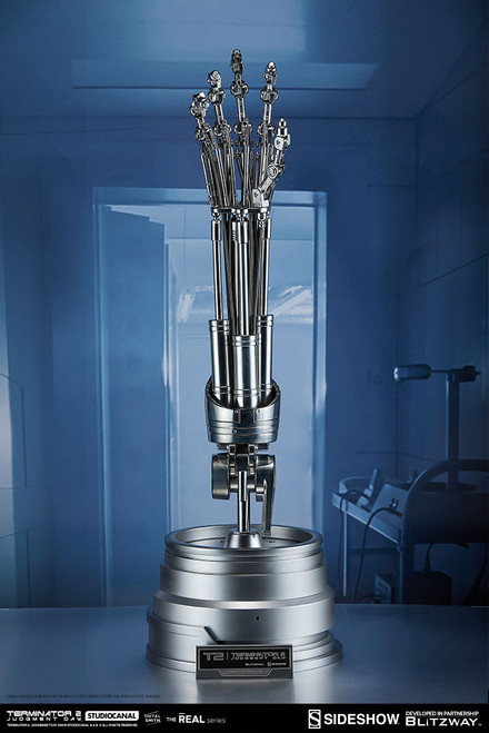 t-800 endoskeleton arm brain chip replica sideshow blitzway