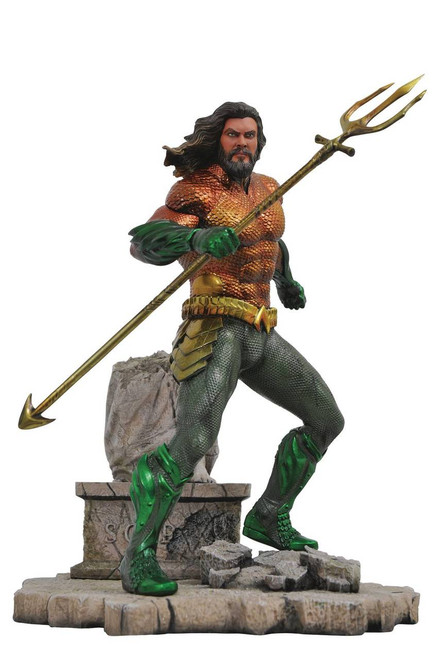 aquaman gallery statue