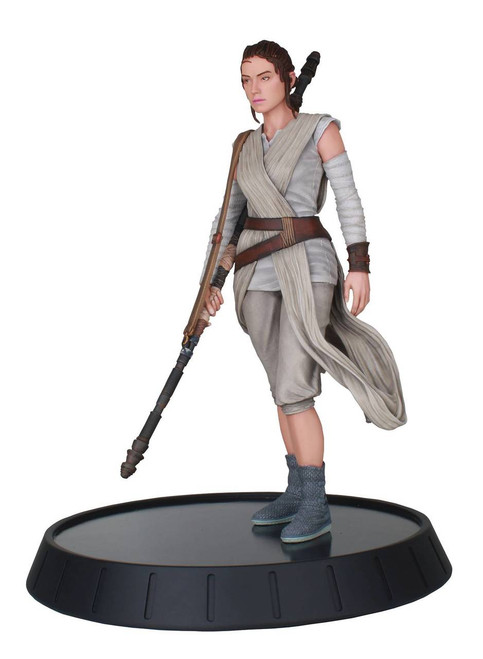 Star Wars Milestones: The Force Awakens Rey 1:6 Scale Statue