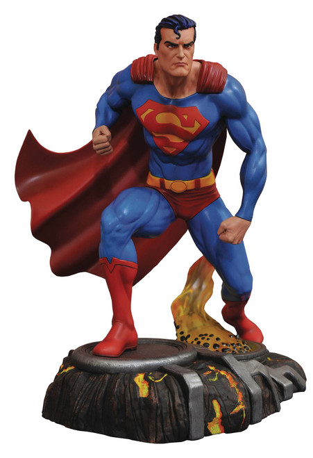 DC Gallery Superman Comic PVC Figure