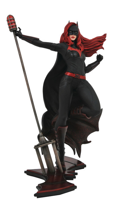 diamond select cw gallery batwoman statue
