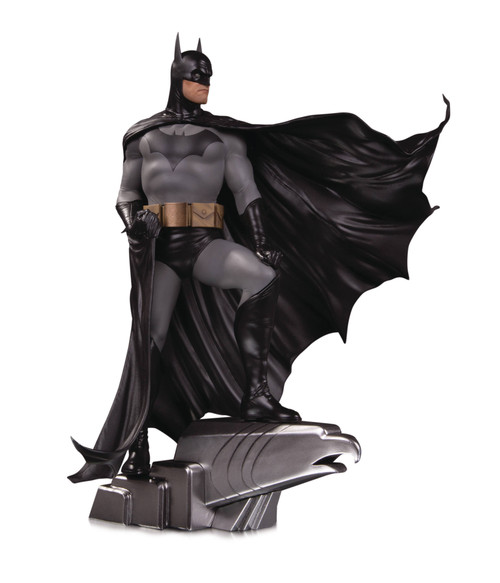 DC Comics DC Designer Series Batman Deluxe Statue by Alex Ross