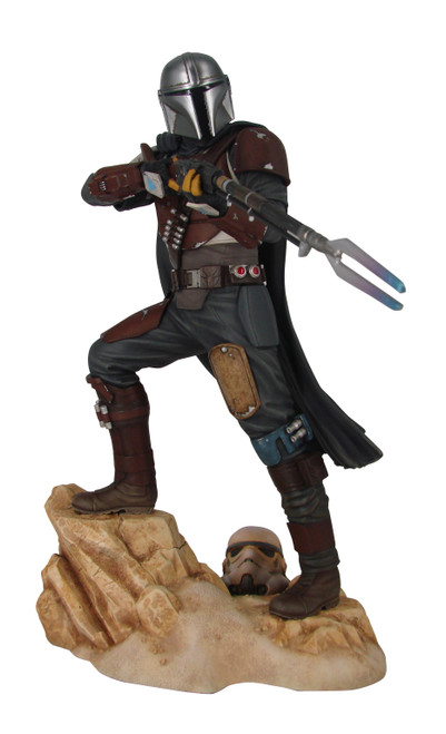 diamond select toys star wars premier collection mandalorian statue