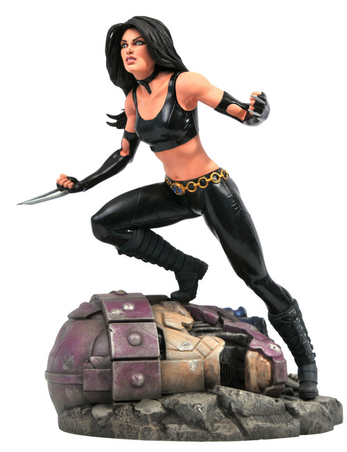 diamond select toys x-23 statue