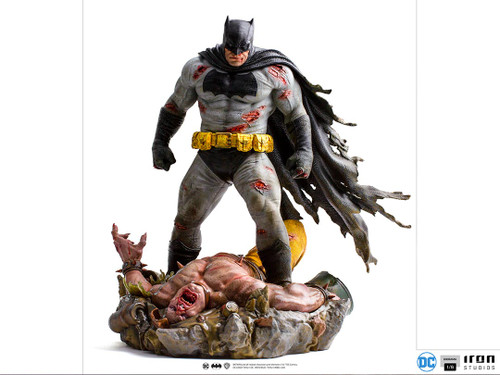 iron studios batman dark knight returns sixth scale diorama