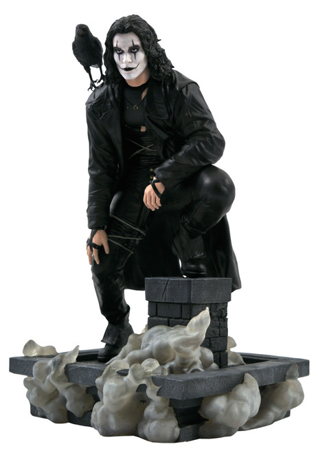 diamond select toys crow movie gallery statue