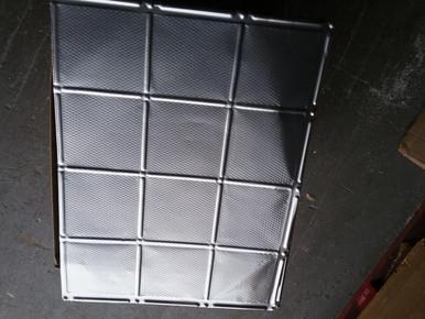 LOT 28 A -Soho Aluminum Backsplash -0617 (9 SQ FT) 3 PCS Clear/ nail up