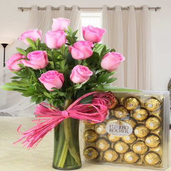 Stunning Ferrero Rocher Chocolate with Pink Roses Hamper