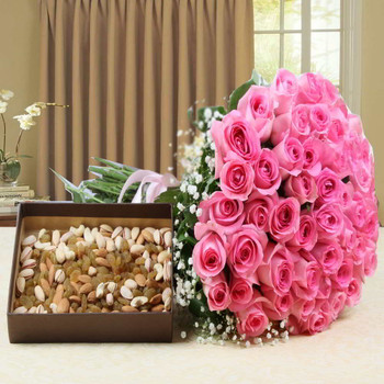 Hand Bouquet Pink Roses with Assorted Dry Fruits