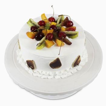 Attractive Fresh Fruit Cake