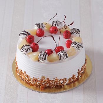 Eggless Fresh Cream Butterscotch Cake