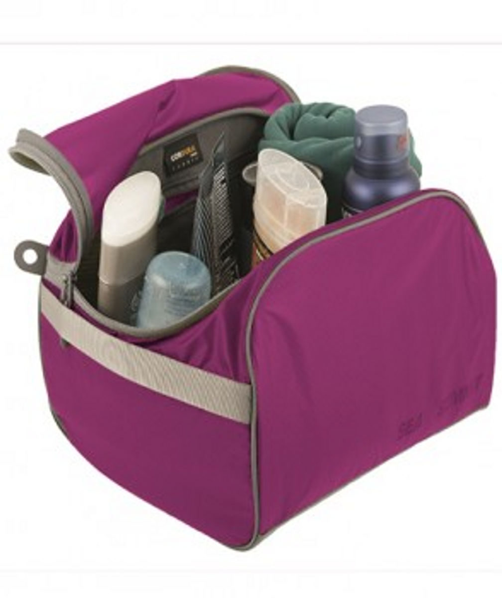 Large Berry Toiletry Cell