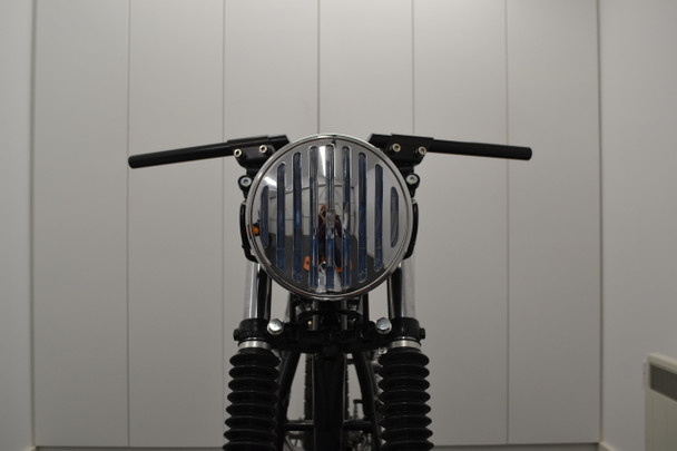 "Retro Project Motorbike 7.5"" Headlight - Black with Chrome PRison Grill - 12V 55W"