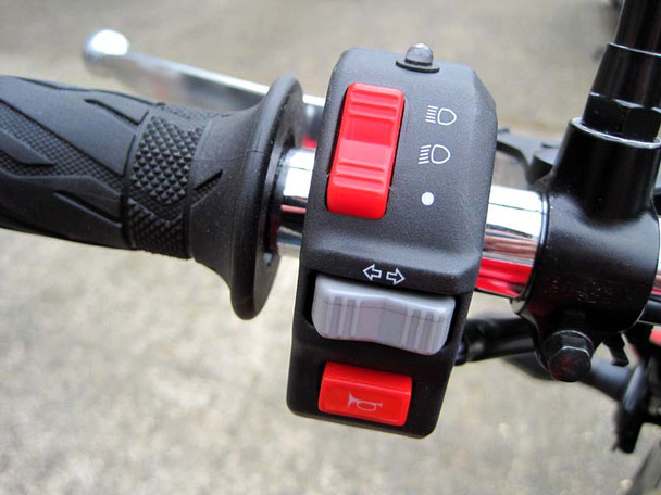 """Motorbike Motorcycle Universal Headlight / Indicator / Horn Switch Assembly to fit 22mm (7/8"""") Handlebars"""
