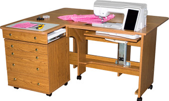 Horn Model 3280 Quilter's Dream (Shown with optional 51 Caddie) in Sunset Oak