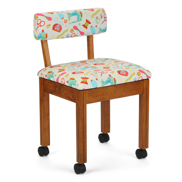 Arrow 7000W Chair In Oak And Riley Blake White Upholstery
