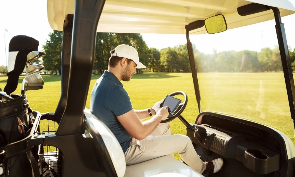 5 Best Golf Car Accessories for First-Time Owners