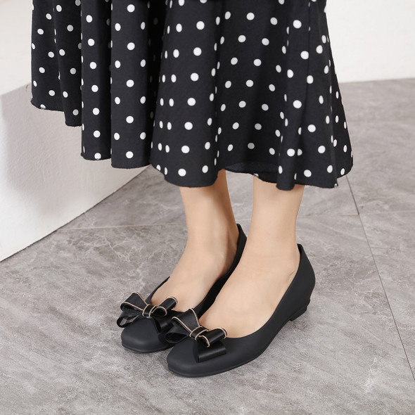 Sienna Black Jelly Flats
