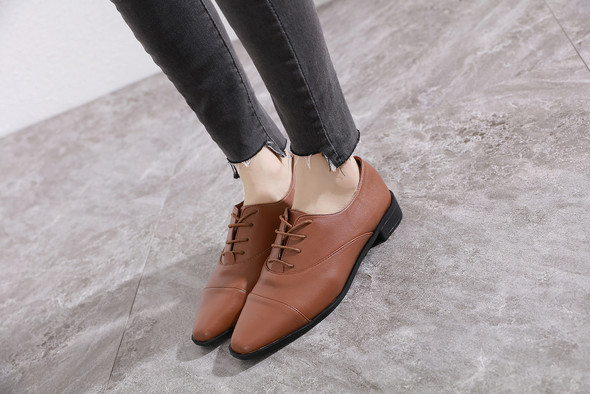 Reese Brown Flats