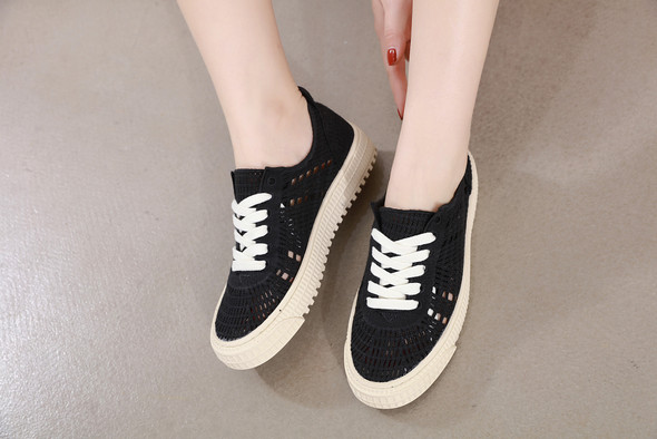 Remi Black Sneakers