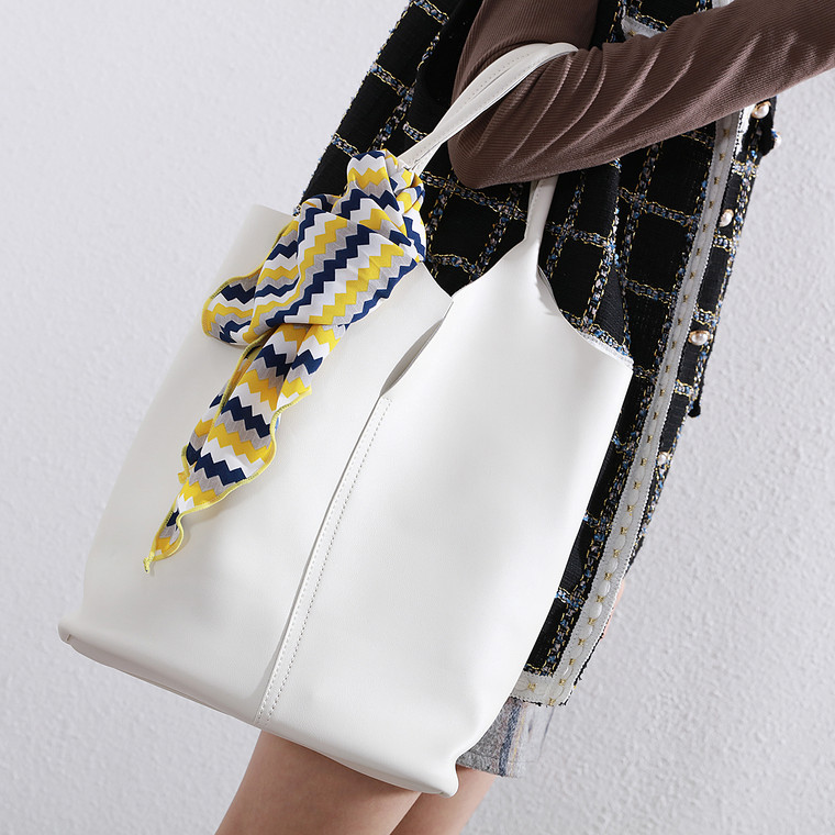 Isla White Bag