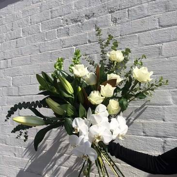 Send Nature's White Bouquet