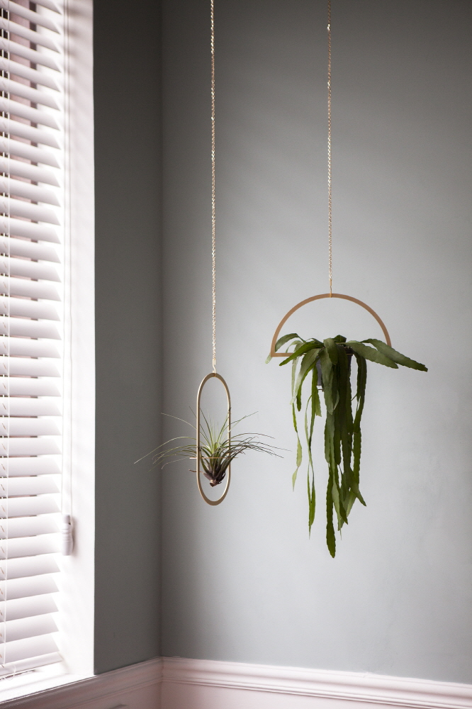 Oval Plant Mobile, Gold