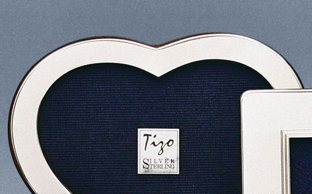 Tizo Plain Heart 2 X 3 Inch Sterling Silver Picture Frame Engravable