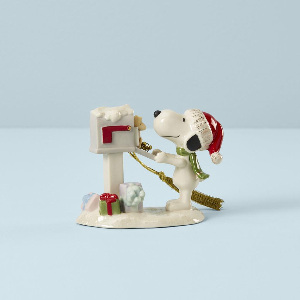 Lenox Snoopys Letter To Santa Ornament, MPN: 890941, UPC: 194372001281