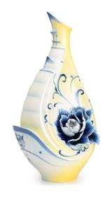 Franz Porcelain Sail Of Fame Vase Limited Edition 988 FZ02524