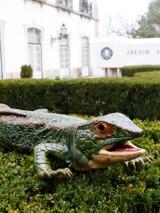Bordallo Pinheiro Arte Bordallo Decorated Giant Lizard MPN: 65004177 EAN: 5600413607473