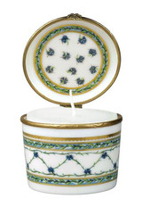Raynaud Limoges Allee Du Roy Candle Box, MPN: 0010-33-606008, EAN: 3660006501832, UPC: