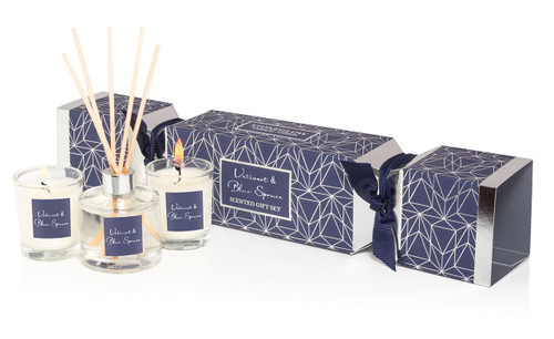 Stoneglow Candles - Seasonal Collection Vetivert & Blue Spruce Cracker Gift Set