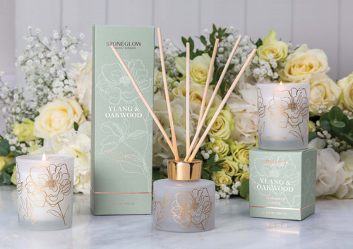 Day Flower - Ylang & Oakwood - Scented Candle