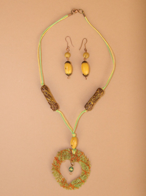 Fique Heart Necklace and Earring Set
