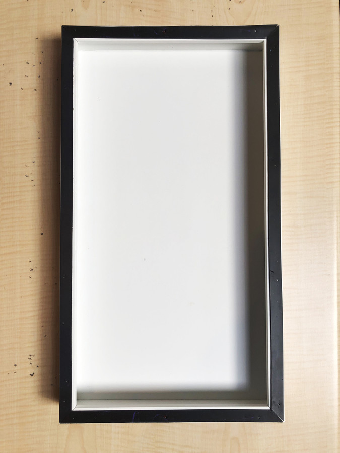 "Magnetic Frame  - 10"" x 18"""