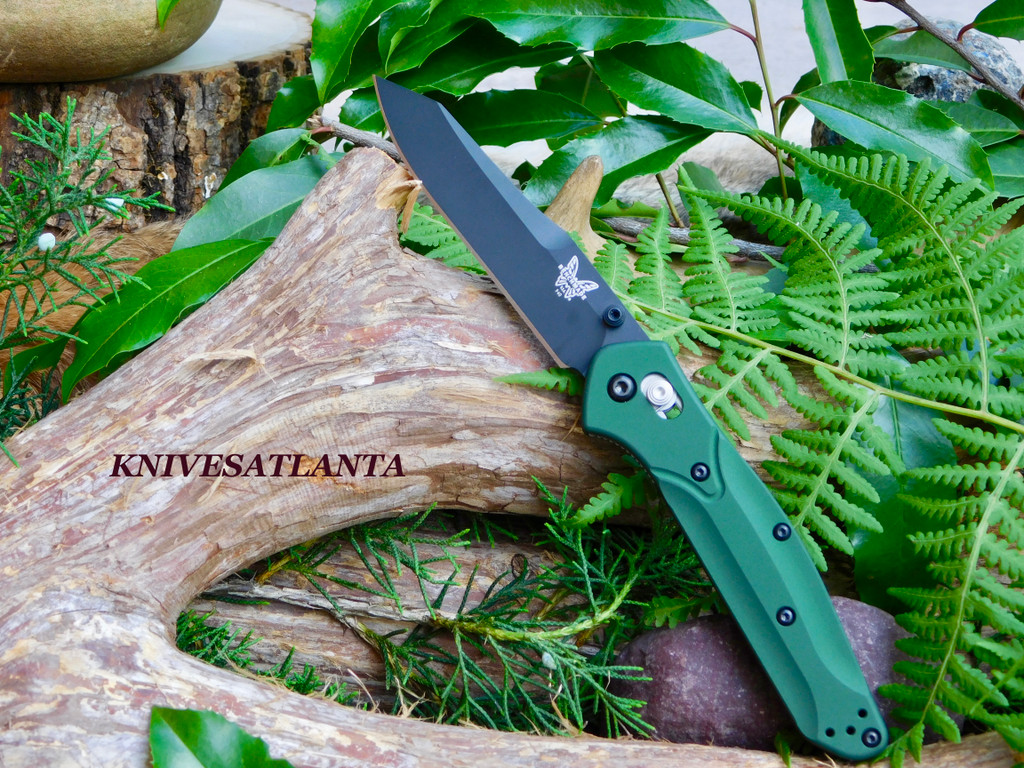 Highly regarded as one of the most quintessential EDCs of all time, the 940 and 943 are slim, stylish and after over a decade have performed in just about any situation imaginable.