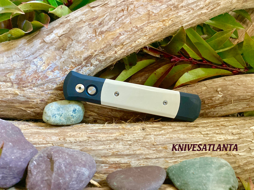 Protech Godfather Automatic Knife 951 Tuxedo