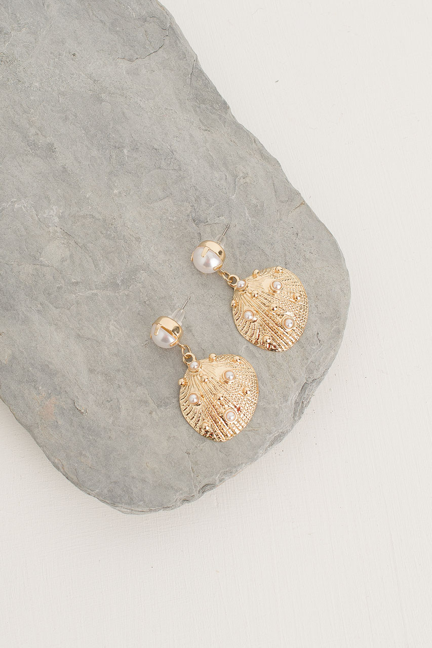 Flounder Pearl Earring, Gold Plated