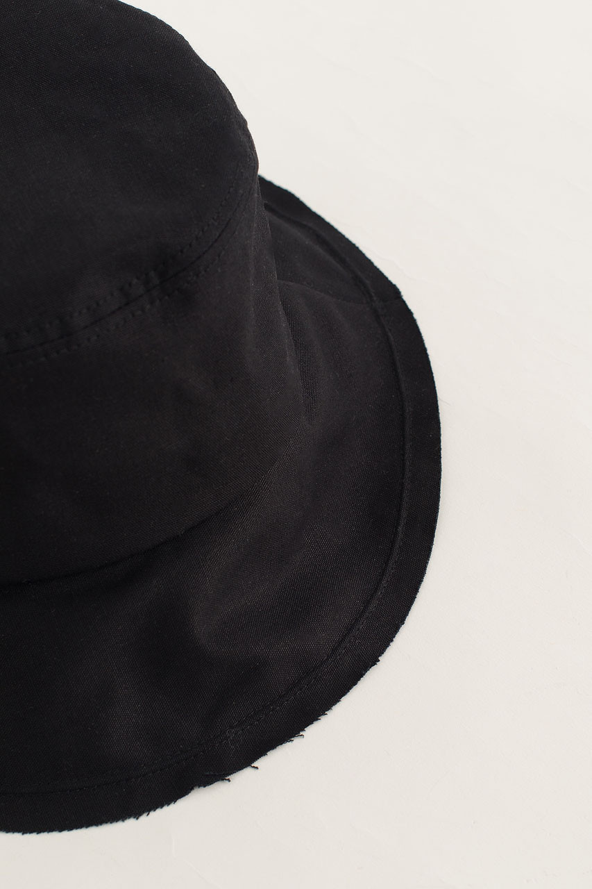 Hichko Hat, Black