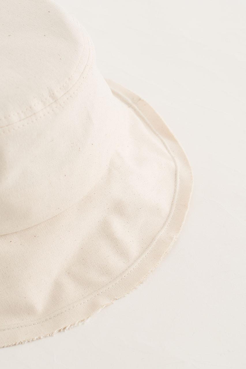 Hichko Hat, Ivory