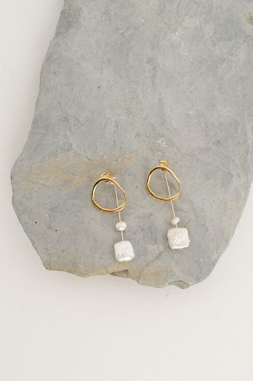 Tao Pearl Earrings, Gold Plated