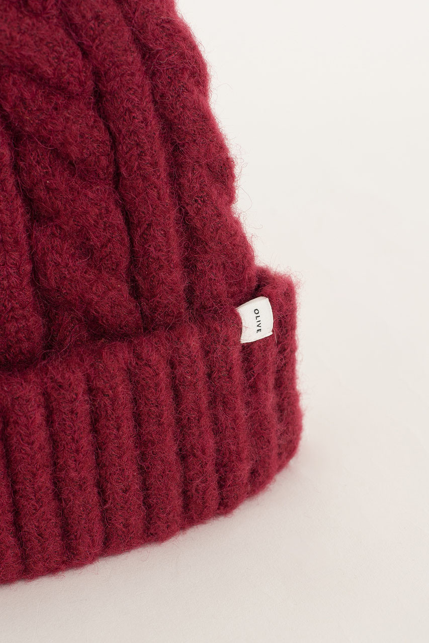 Cable Beanie, Cherry
