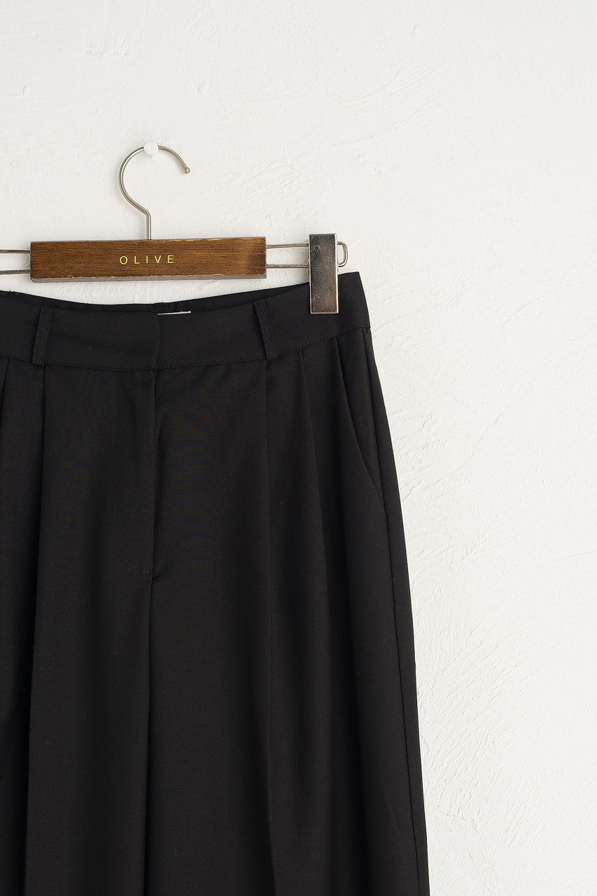Co Pleated Trousers, Black
