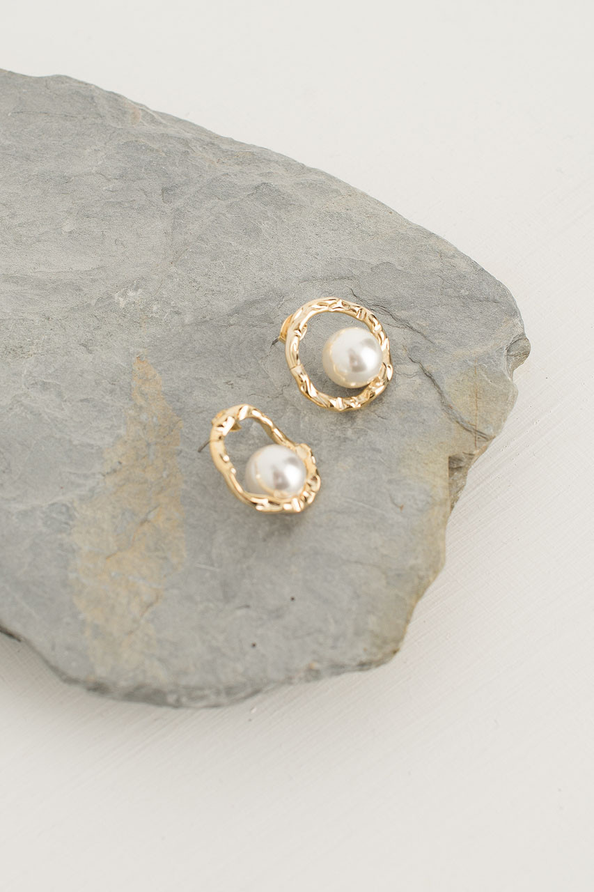 Yumi Pearl Circle Studs, Gold Plated
