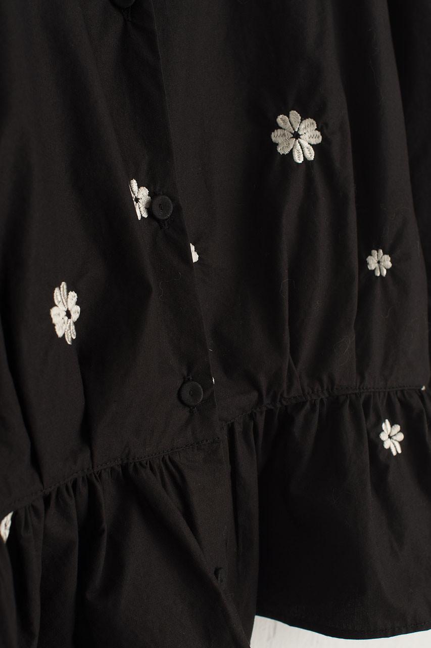 Eun Daisy Embroidery Blouse, Black